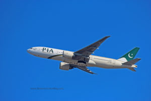 pakistan international airlines boeing 777-200lr