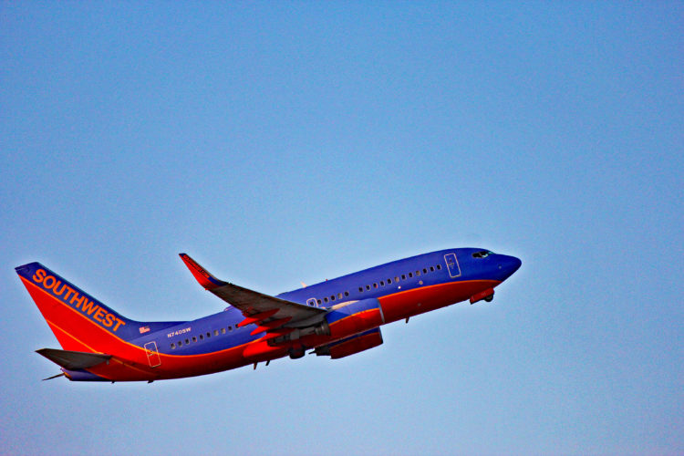 n740sw southwest airlines boeing 737-700 fll