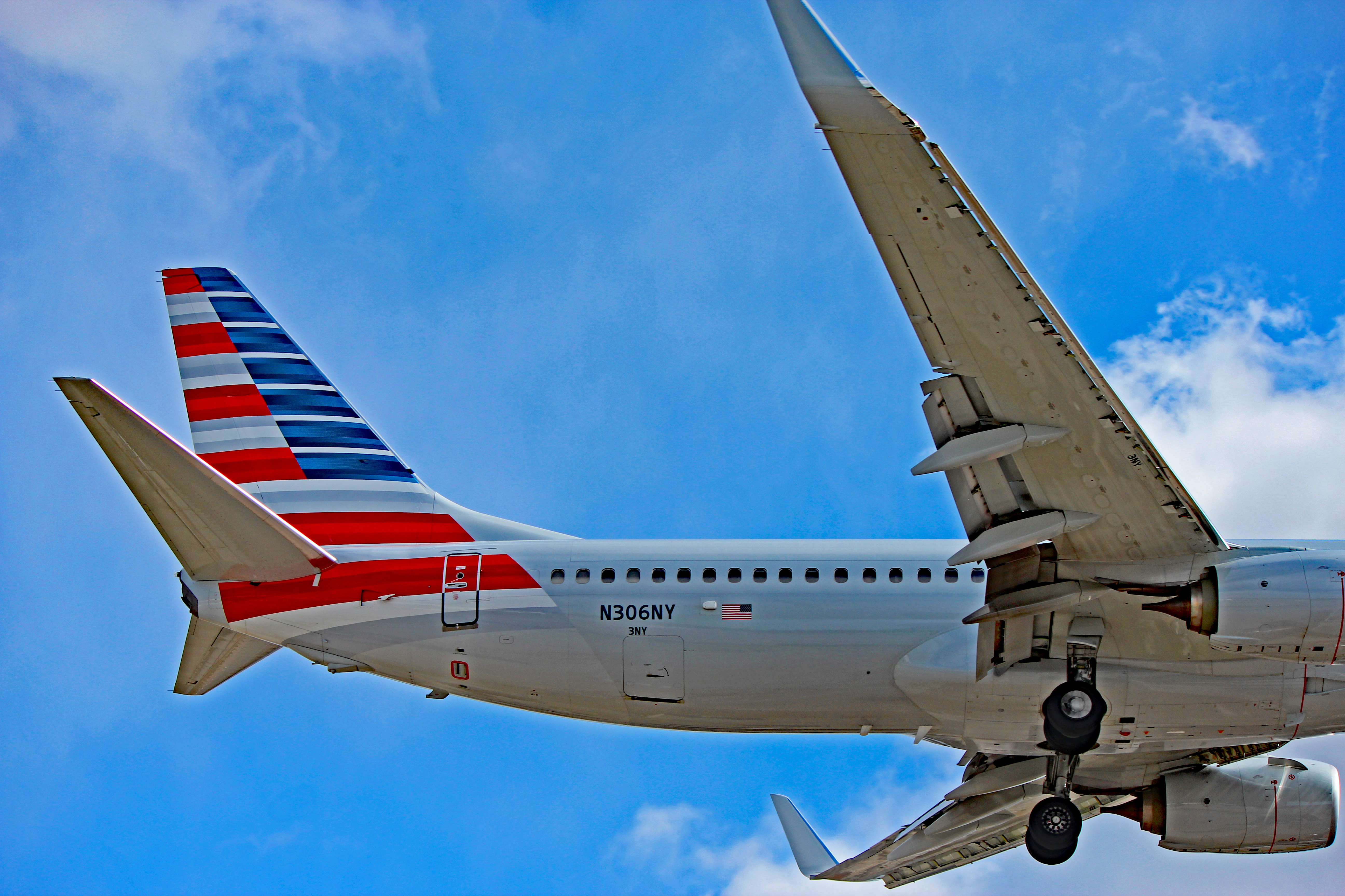 N306ny American Airlines Boeing 737 800 At Toronto