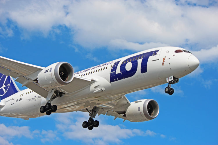 sp-lrg lot polish airlines boeing 787-8 dreamliner toronto yyz