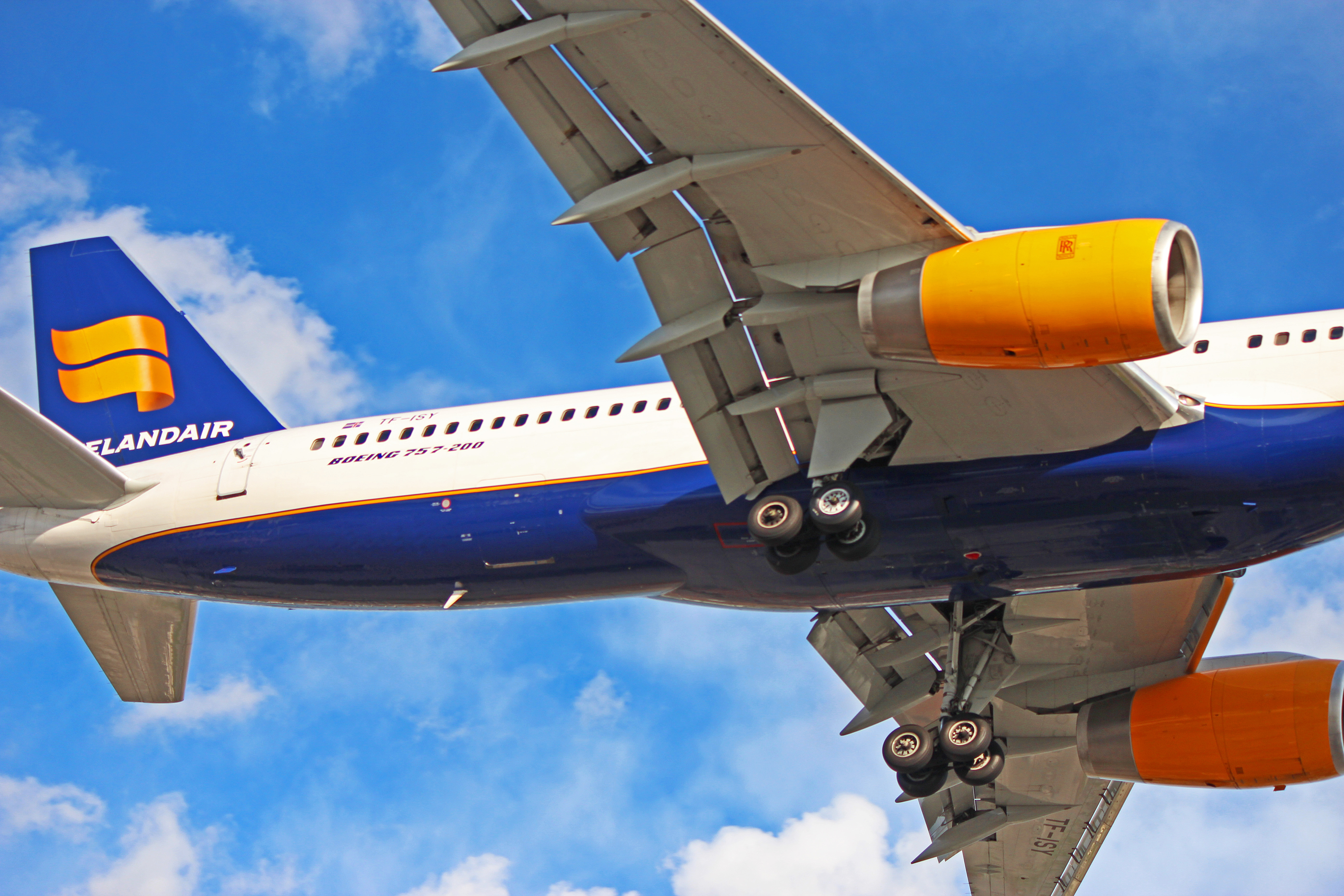 Tf Isy Icelandair Boeing 757 200 Formerly With American