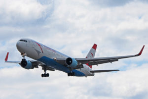 oe-law austrian airlines boeing 767-300er toronto yyz