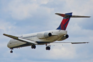 n926at delta air lines boeing 717-200 toronto yyz