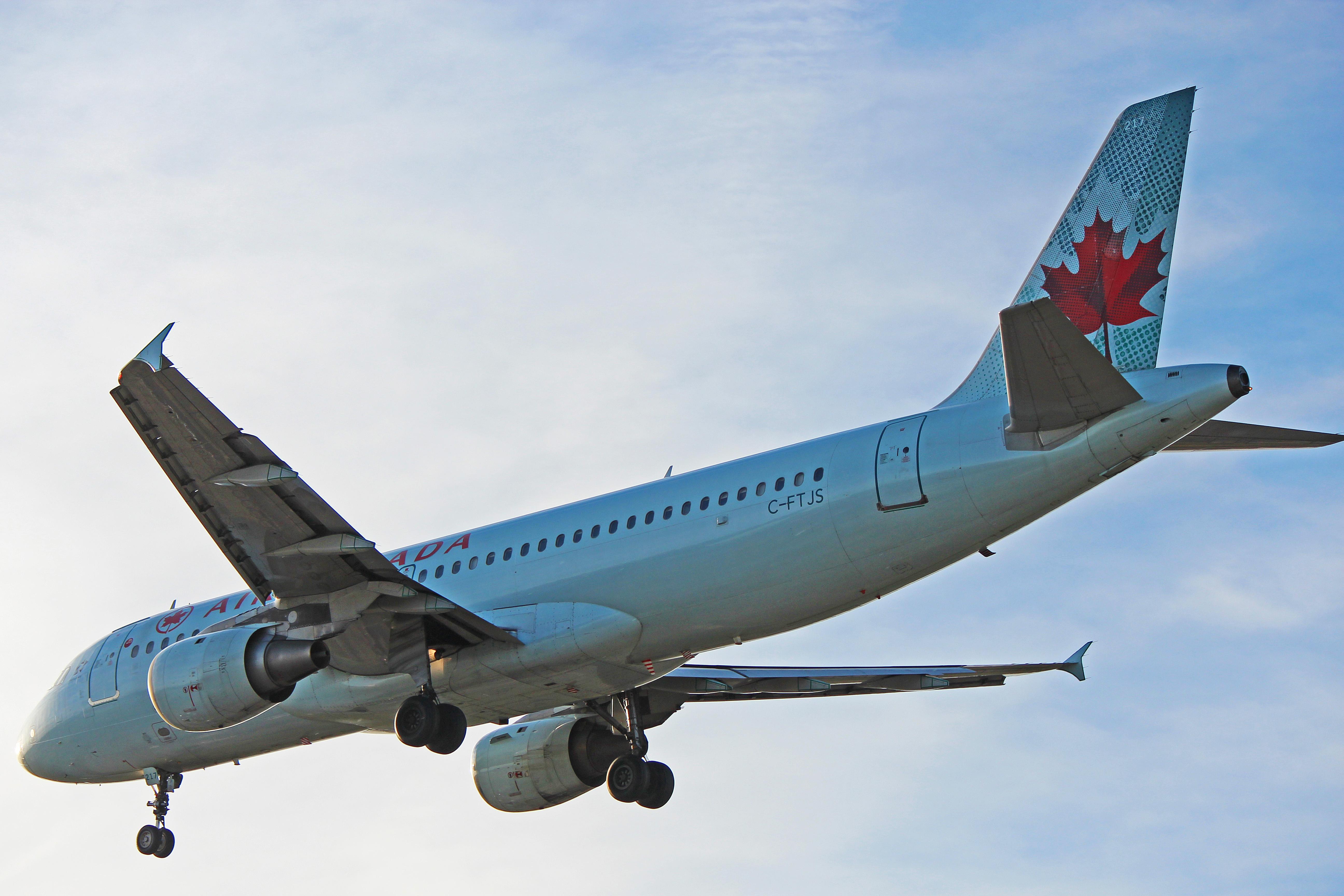 C-FTJS: Air Canada Airbus A320-200 (At Toronto Pearson - YYZ)